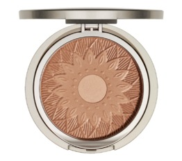 Modelling and Accentuating ARABESQUE Sun Kissed Bronzing Powder
